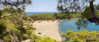 Центральный пляж древнего города Фазелис Турция