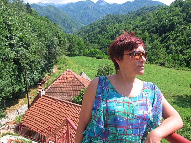 Зеленая долина в каньоне Морача