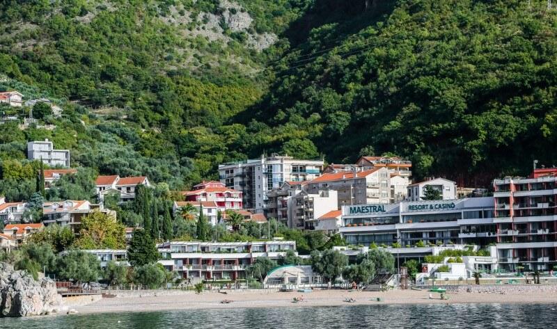 набережная курорта Пржно Черногория