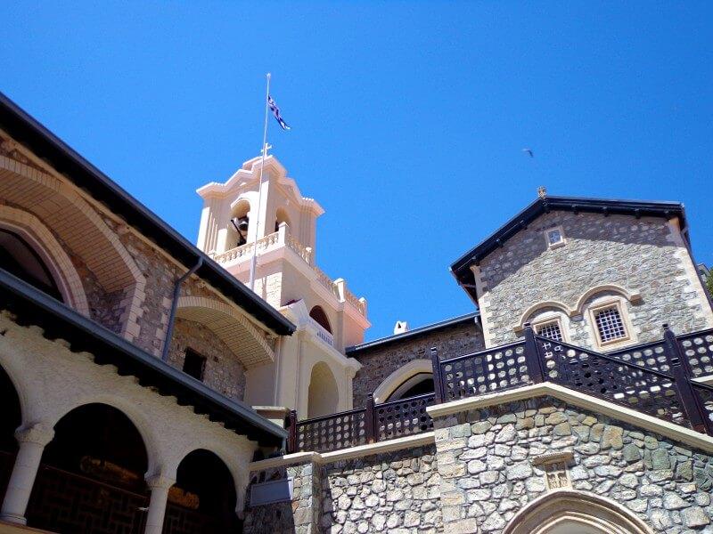 Колокольня, внутренний двор Киккос Кипр