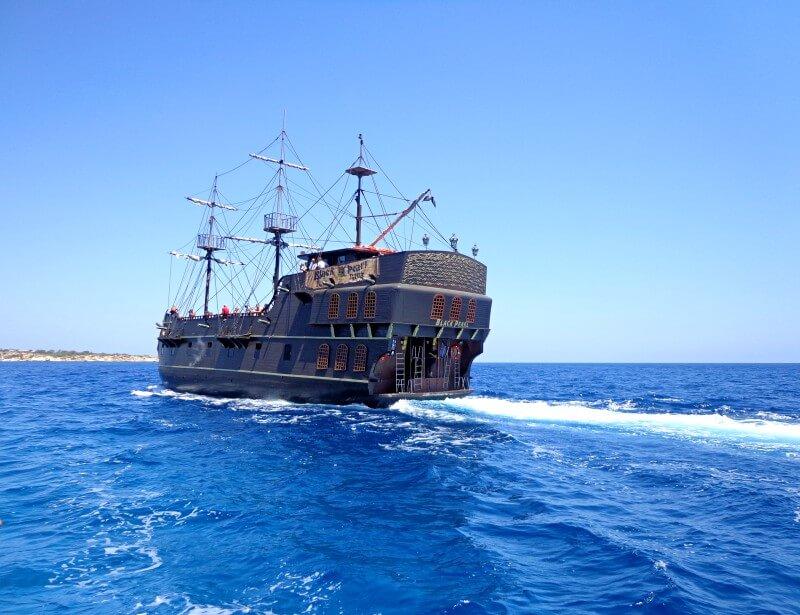 Красавица Черная жемчужина Кипр