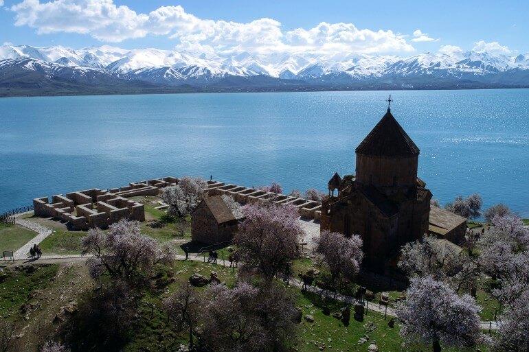 Остров Ахтамар и озеро Ван Турция