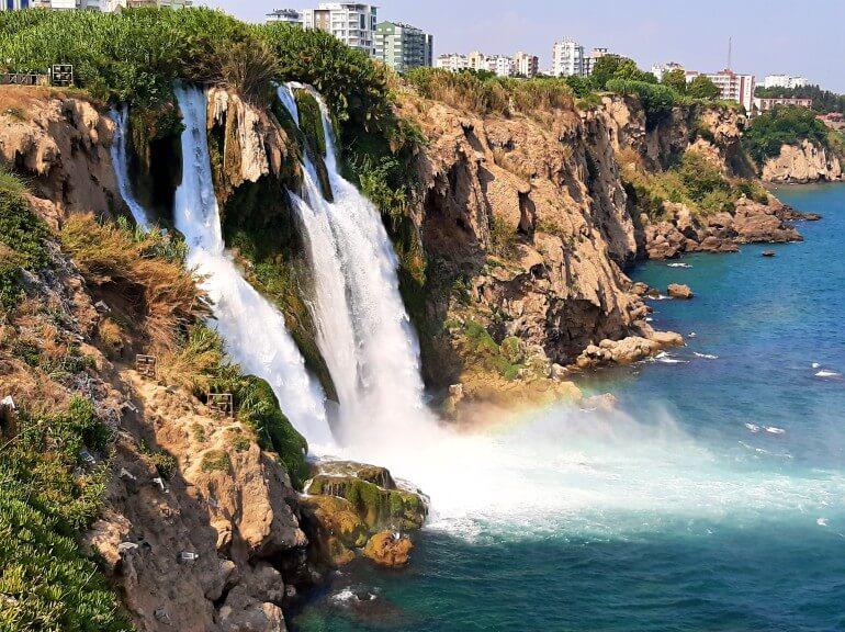 Анталия водопады в черте города