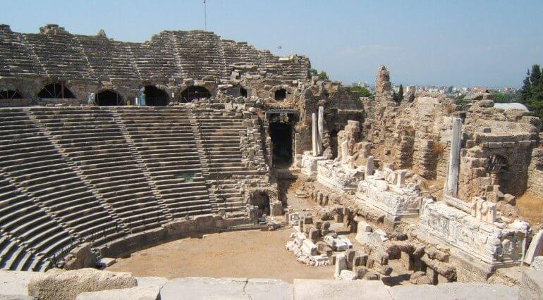 амфитеатр Сиде Турция