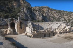 руины города Мира Турция