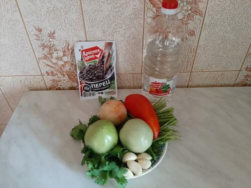 ингредиенты для салата из зеленых помидор